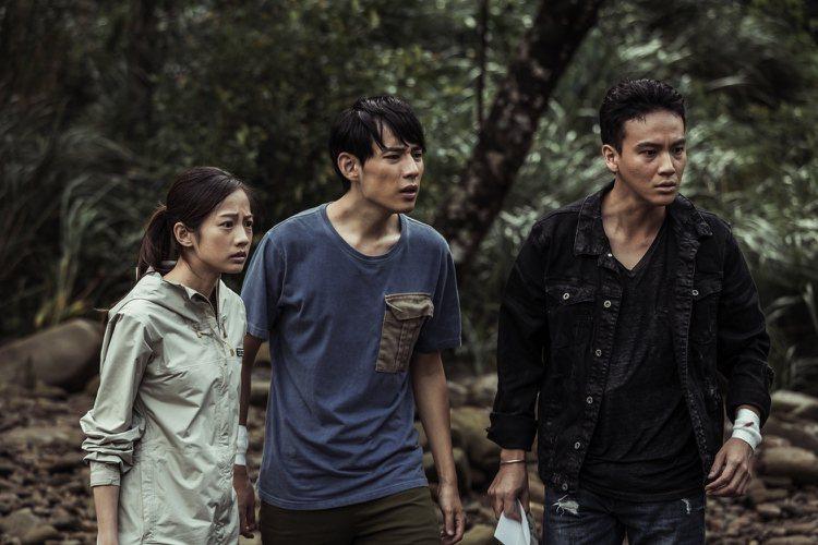 簡嫚書(左起)、徐鈞浩、曹晏豪演出「天黑請閉眼」,追查兇手過程,男男組合也吸睛。...