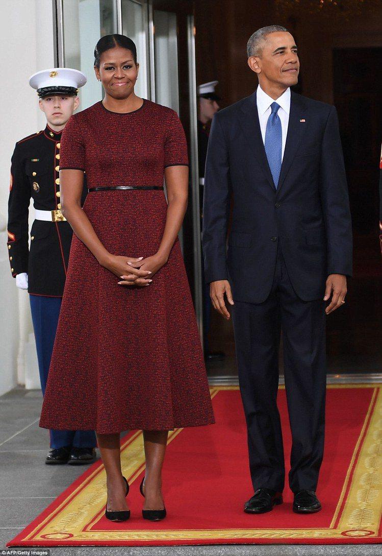 蜜雪兒卸下第一夫人身分,選穿吳季剛為她量身訂製的小禮服。圖/美聯社