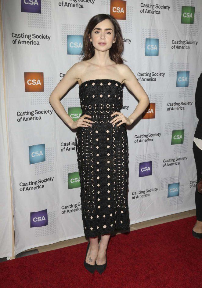 莉莉柯林斯出席奧提歐斯獎,身穿Alberta Ferretti 2017春夏的黑...