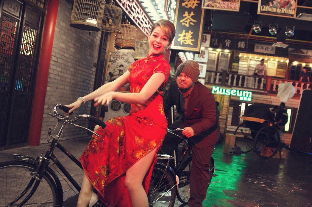 黃明志壓箱寶新歌「美人罪」跨國合作國際知名小提琴家魔琴少女Lindsey Sti