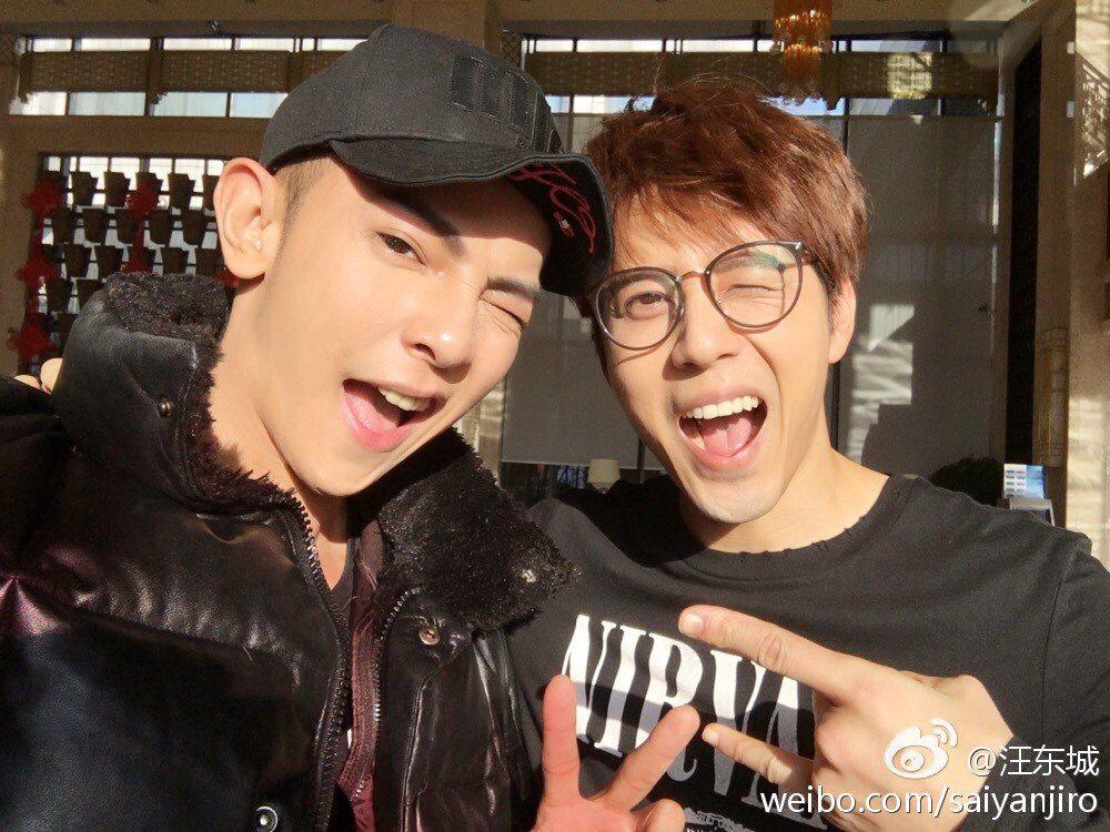 汪東城、胡宇威在無錫酒店巧遇,雙帥同框超搞笑。圖/摘自汪東城微博