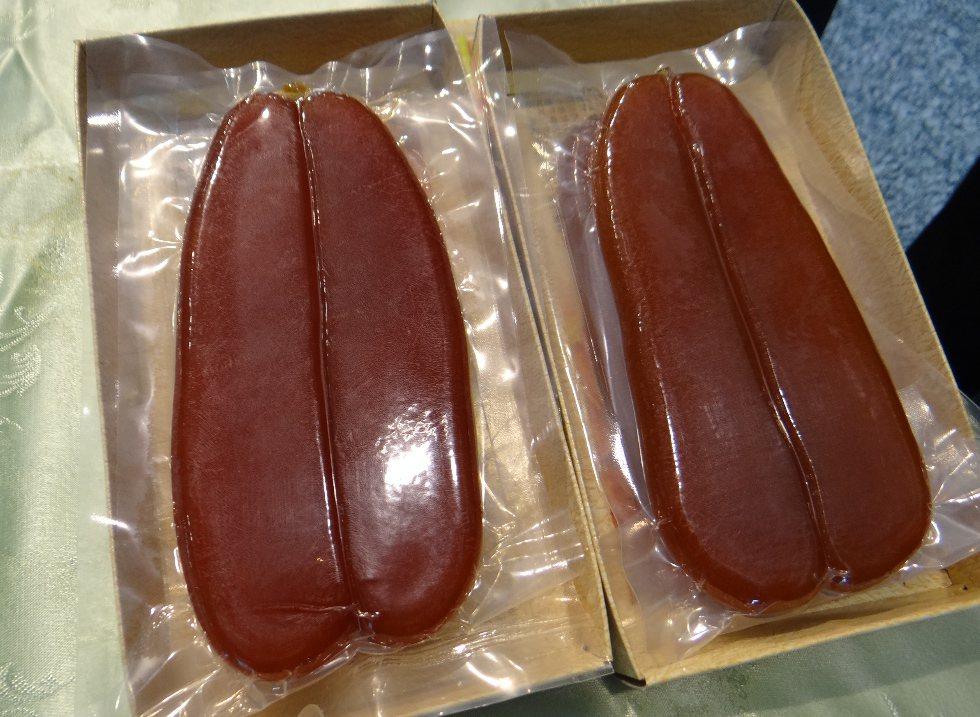 網友參加南部喜宴,冷盤上的烏魚子每片長7、8公分,讓網友感到驚奇。照片為示意圖。...