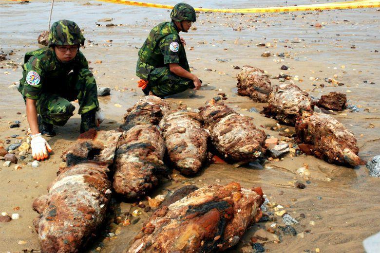 一顆未爆彈之引爆,再次提醒了中央政府,金門島嶼上的戰爭傷痛不啻是一段可供消費的歷...