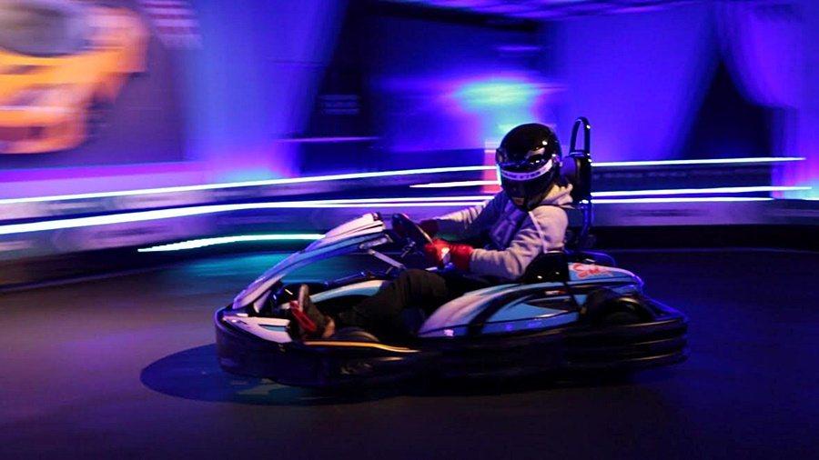 GOPARK卡丁樂園的電動卡丁車,以動力輸出穩定的無刷電動馬達為動力來源,電動馬達直接而飽滿的動力,讓人感受充分快感。 GOPARK卡丁樂園提供