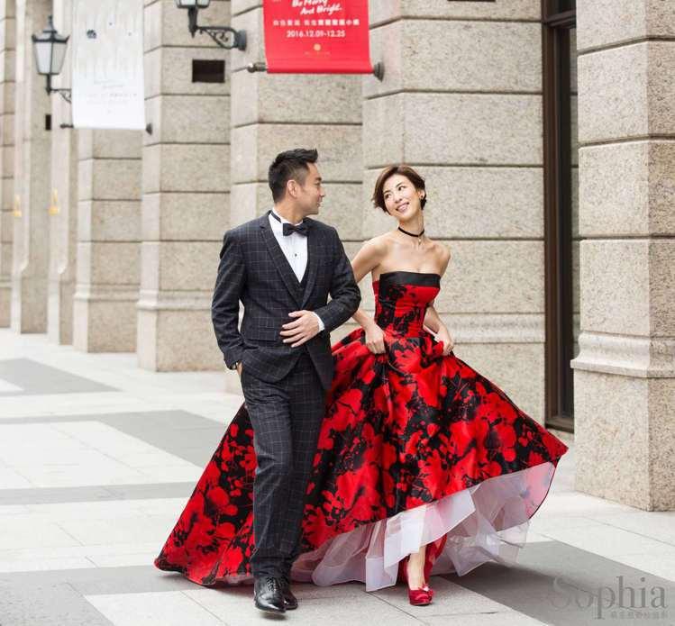 嫁作台灣媳婦的大久保麻梨子,與老公Jerry的婚紗照搶先曝光。圖/蘇菲雅婚紗提供