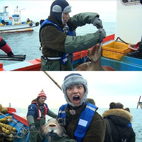 陸性材出演「握拳汽笛船」,挑戰出海捕魚12小時的超級任務。圖/摘自mydaily