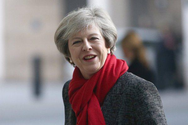 英國首相已可啟動脫歐 4百萬人居留問題未解