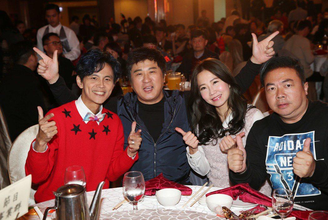 浩角翔起阿翔(左起)、胡瓜、謝忻、董至成出席。記者陳瑞源/攝影