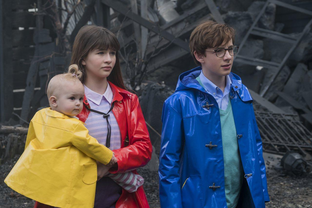 影集版「波特萊爾的冒險」首季才推已有頗熱烈的迴響。圖/Netflix提供