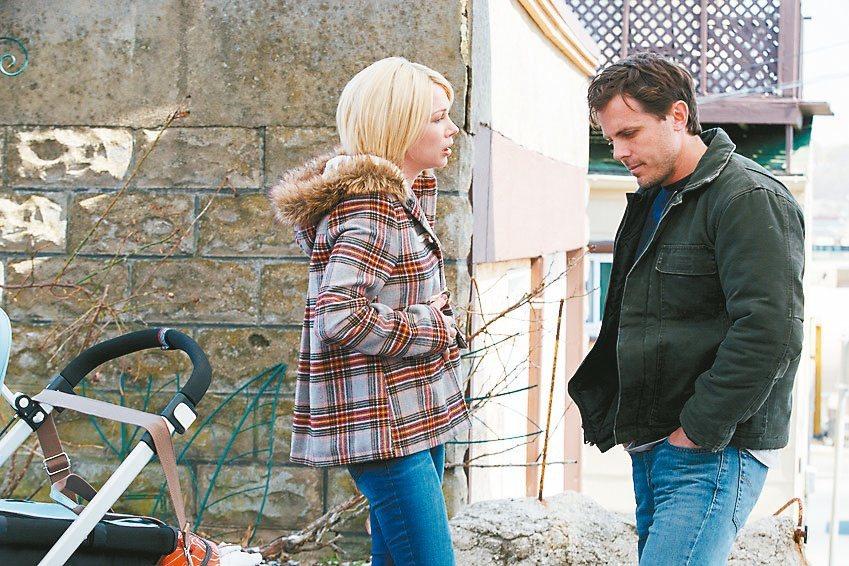 「海邊的曼徹斯特」男主角凱西艾佛列克(右),拿下小金人呼聲極高。 圖/采...
