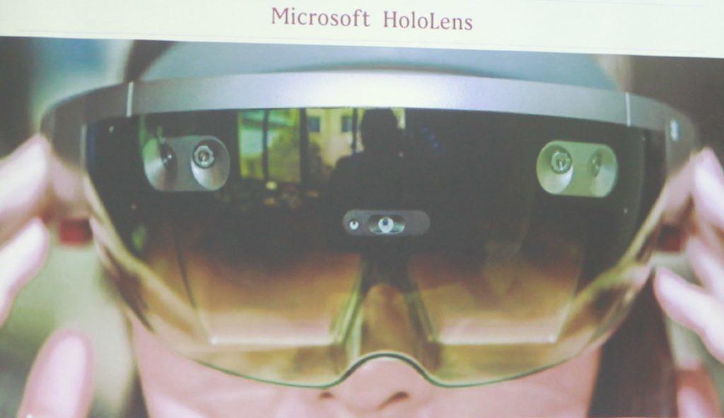 微軟的Hololens就是很標準的InsideOut配備。圖取自INSIDE