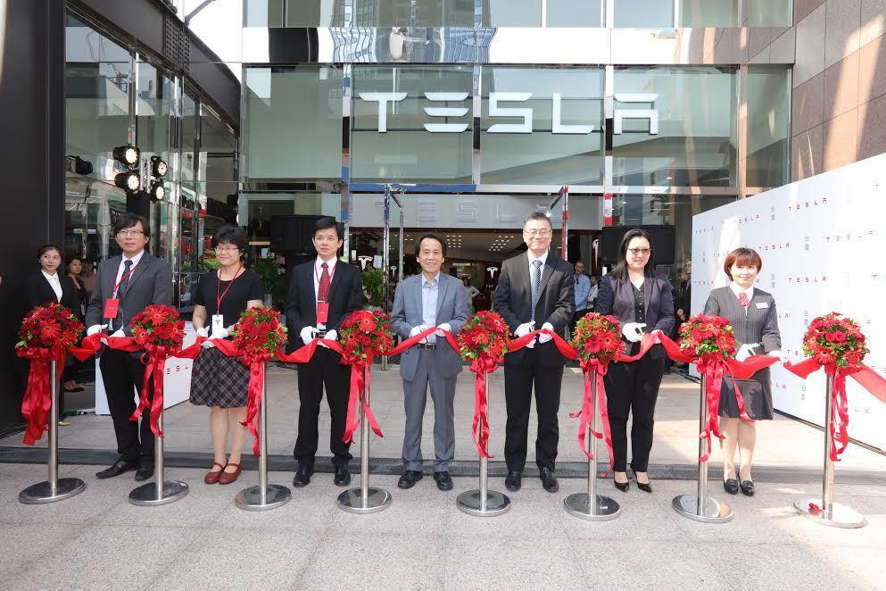 去年9月Tesla台北信義區的旗艦店開幕。 Tesla提供