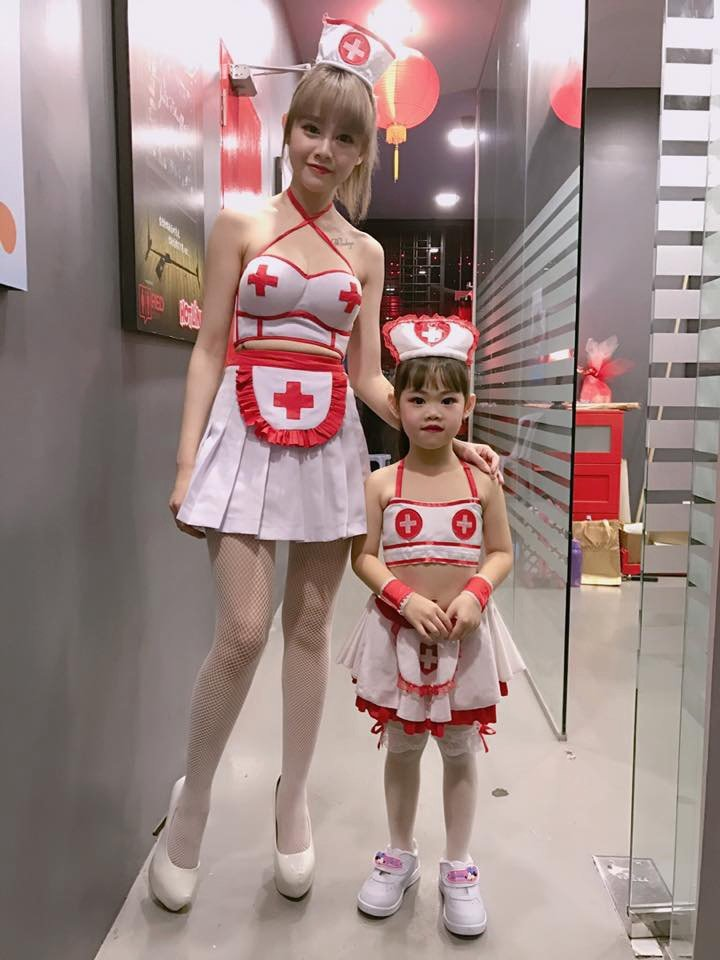 何念&#20857尾牙與粉絲小妹妹一起跳「咪咪」。圖/Red People提供