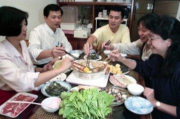 誰說除夕圍爐是吃火鍋?——尋找臺灣年味