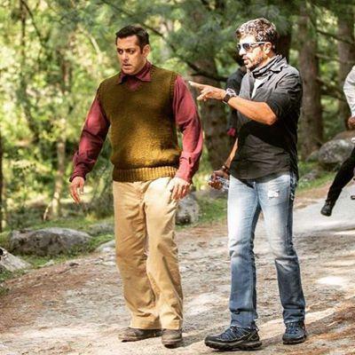 沙魯克汗(右)和沙爾曼汗兩大天王在相隔10年後,再度於預定今年稍後上映的電影「T