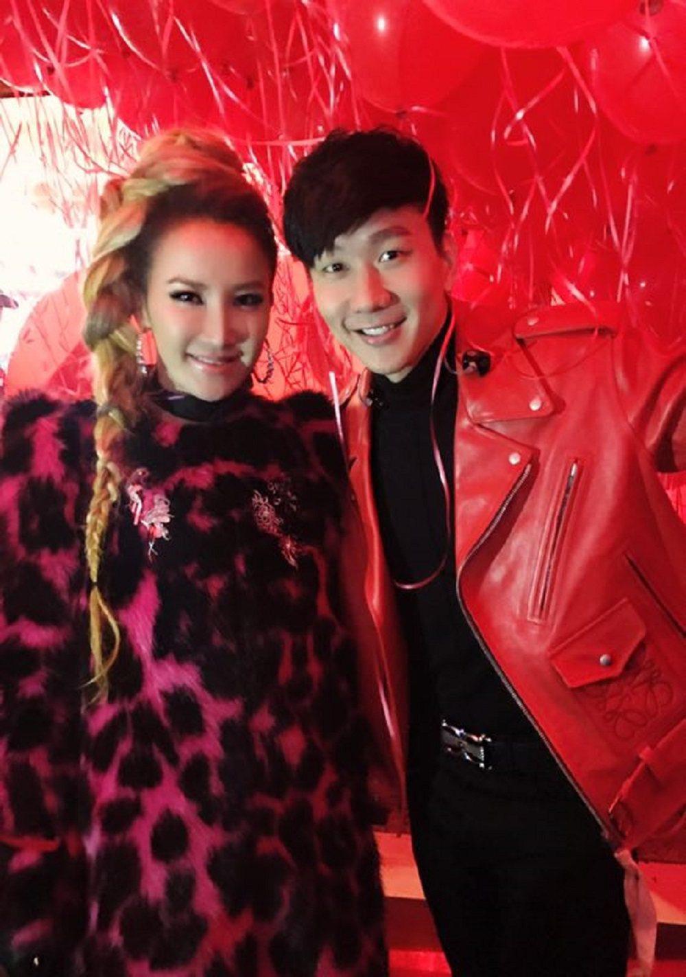 李玟與林俊傑合唱春晚。圖/李玟經紀公司提供