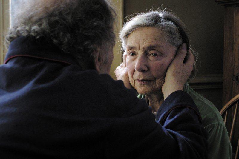 艾曼紐麗娃演過「廣島之戀」等多部經典電影,並以「愛‧慕」叩關奧斯卡影后提名。圖/