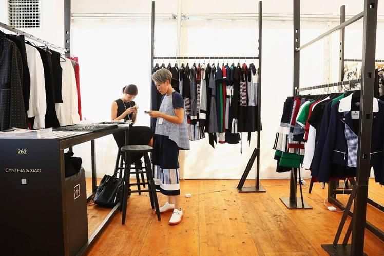 即將參加2017年秋冬紐約時尚周的設計師品牌Cynthia & Xiao是香港貿...