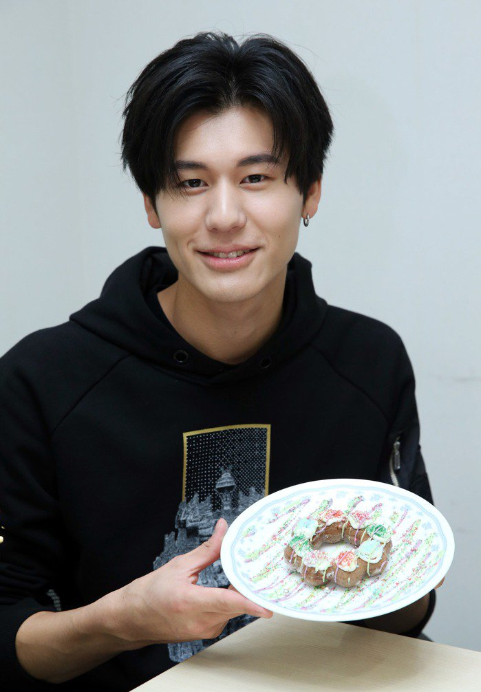 SpeXial風田做情人節甜點。記者陳瑞源/攝影