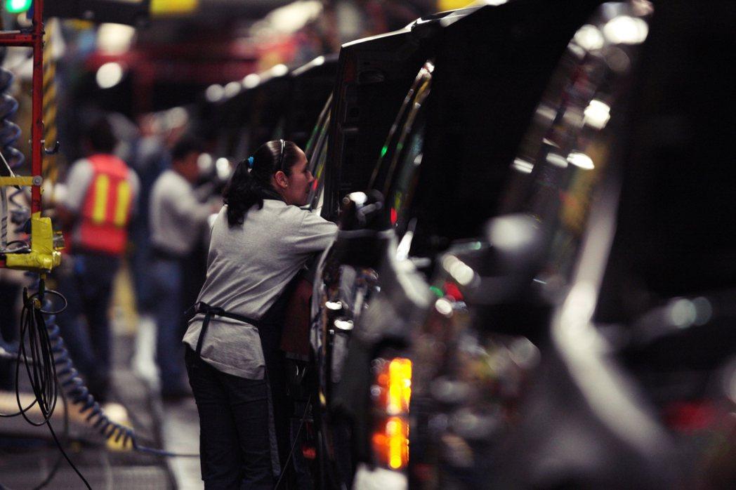 以凋零的「汽車城」底特律為例,儘管在地的組裝廠早已關閉,但在地的汽車工業卻仍倚靠...