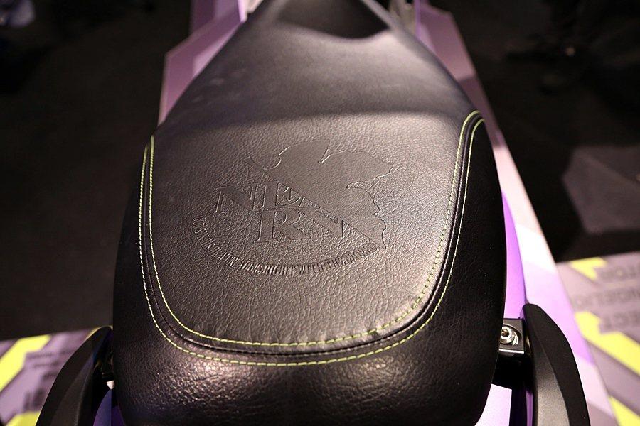 座椅有NERV的鋼印標誌。 記者林和謙/攝影