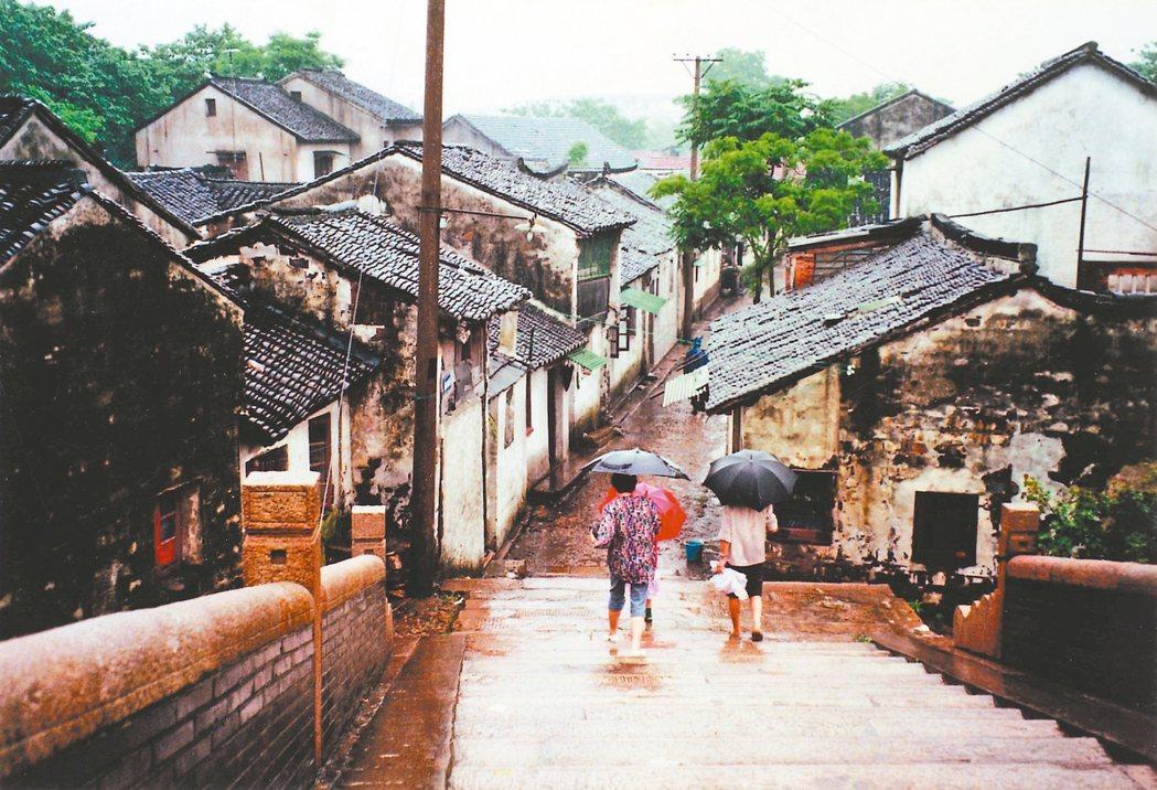 城市各有不同身世,通常比人長壽,可以傳好幾代人。 吳敏顯/攝影