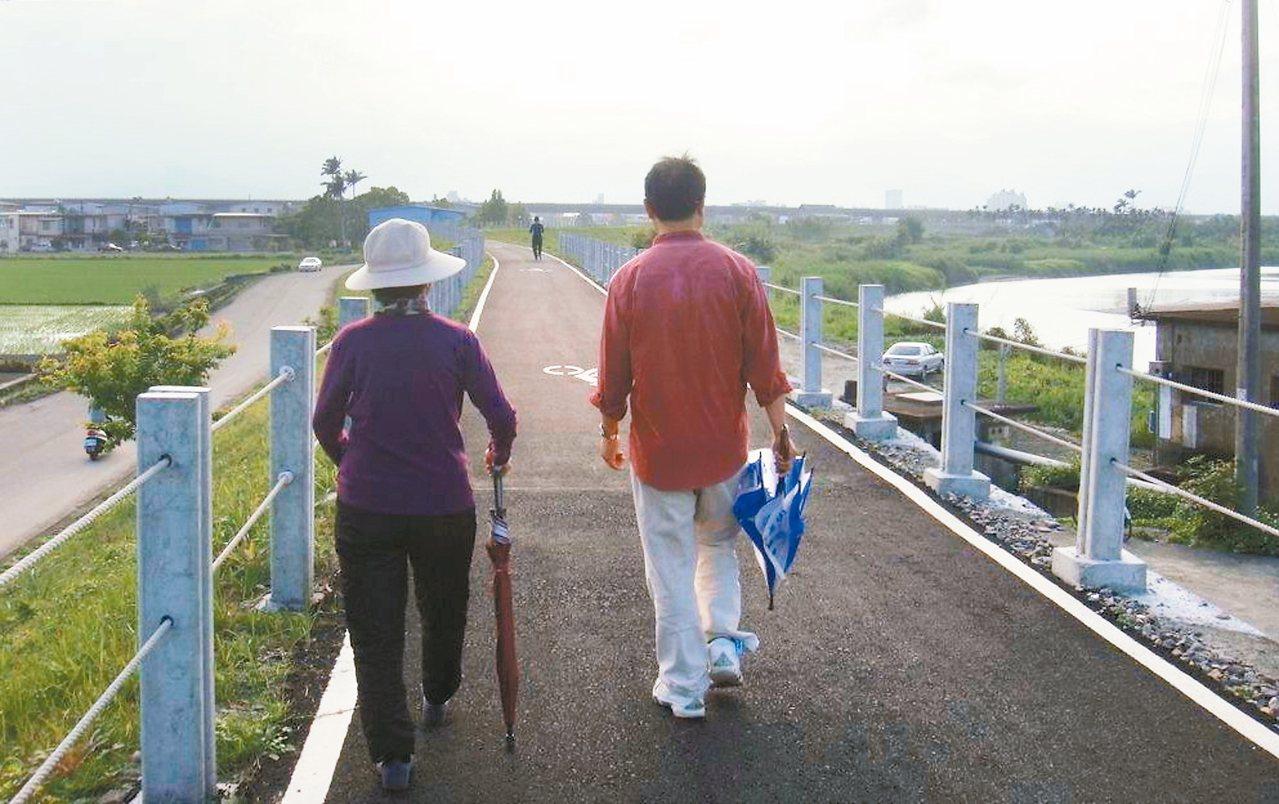 人到一定年齡,筋骨肌肉和器官逐漸老化,且拖累到記性。 吳敏顯/攝影
