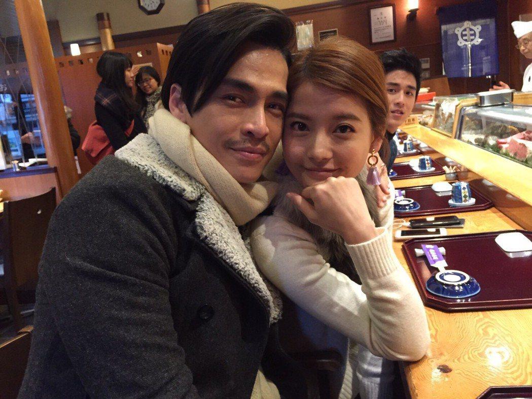Gino、王樂妍主演「我的老師叫小賀」赴日本宮城、岩手取景,拍戲之餘品嚐美食。圖...