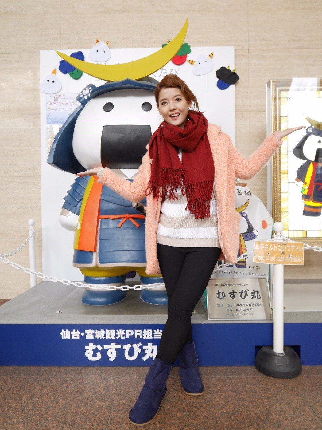 王樂妍為「我的老師叫小賀」在日本宮城取景。圖/民視提供