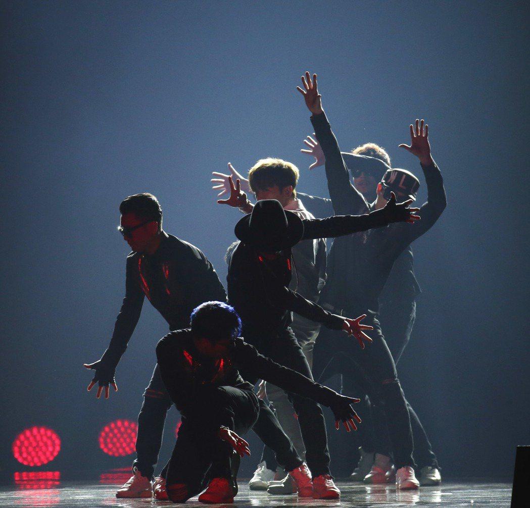 韓團「神話」來台開唱。記者陳瑞源/攝影