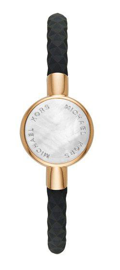 Michael Kors優雅黑金智慧手環,3,400元。圖/Fossil提供