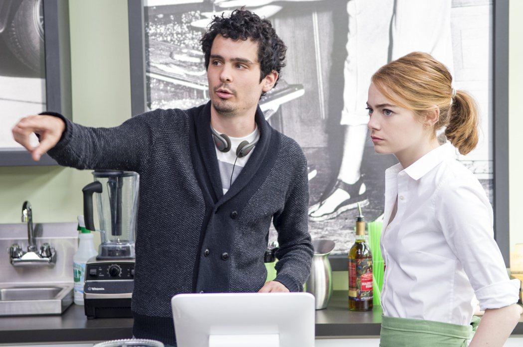 年僅32歲的導演達米恩查澤雷(左)有望以「樂來越愛你」拿下奧斯卡獎最佳導演。圖/