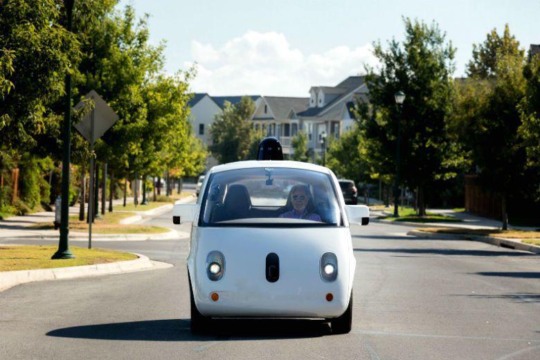 自駕車若日漸普及,將緩解路上塞車情形、減少城市裡的車輛。 圖/waymo