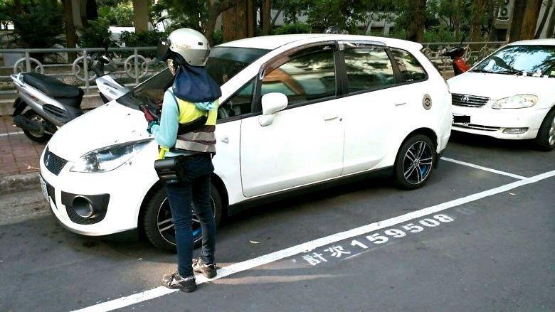 自駕車會使市中心室外停車空間的存在漸顯浪費,其土地將有望改變用途。   圖/聯合報系資料照