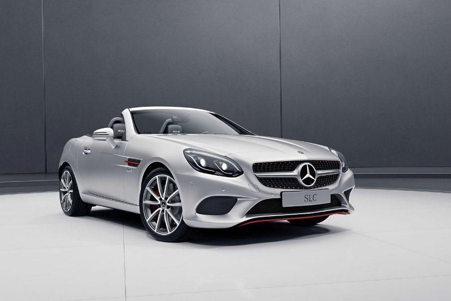 圖為 SLC RedArt Edition 銥合金銀(Iridium Silver) 車型。 摘自 Mercedes-Benz