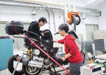台灣技術人才培養格局狹隘——從砍技優保送名額談起