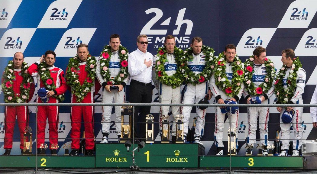 4台Ford GT賽車於2016年重返利曼耐力賽,承繼50年前的榮耀,再次勝出其...