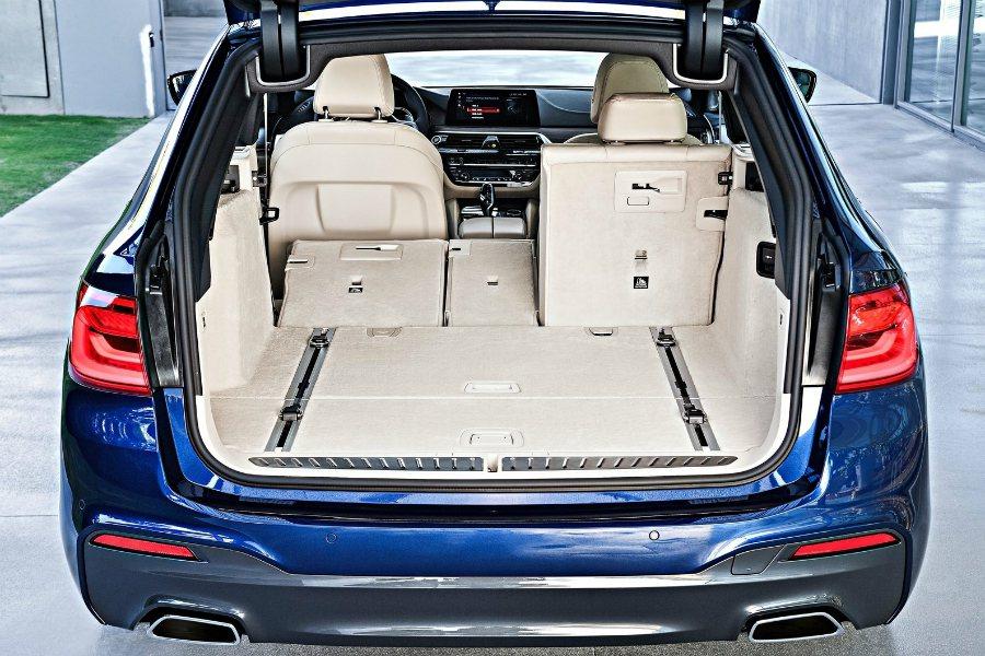 旅行車的大空間,對日常生活來說相當實用。 摘自 BMW