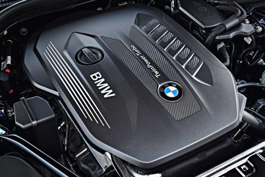 車型編程方面,歐洲市場提供 530i、540ixDrive 兩款汽油引擎與 52...