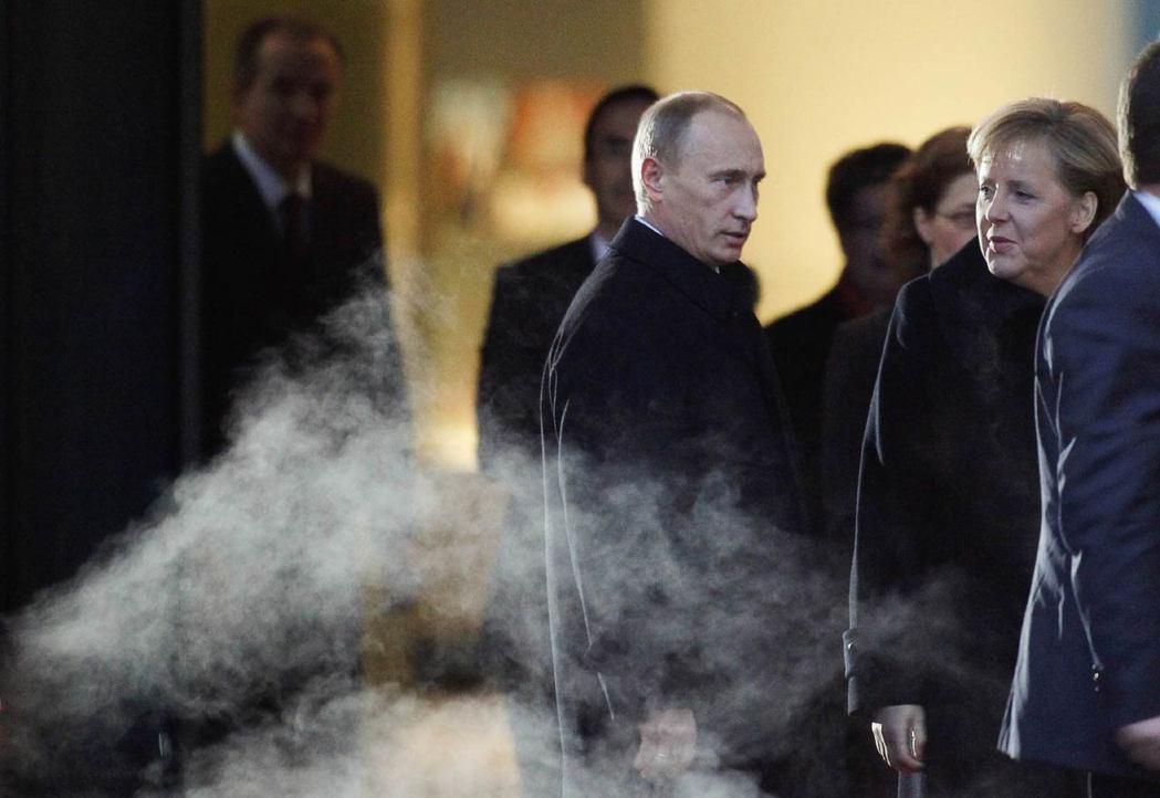 妥善處理歐洲與俄羅斯的關係,是美國能否成功「轉身」的關鍵;根據學者史派克曼「德俄...