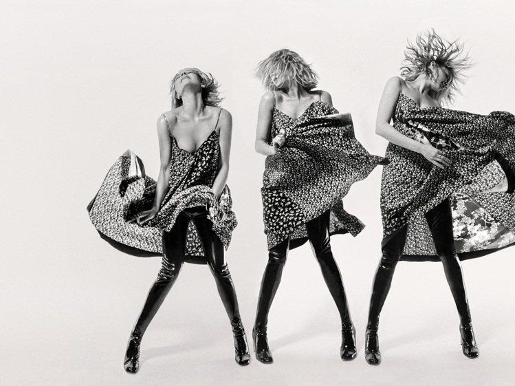 性感的印花洋裝搭配漆皮亮面長靴,展現瀟灑性感。圖/取自rag & bone官網