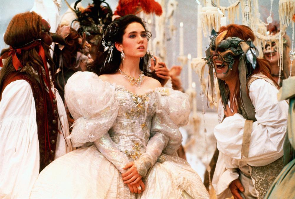 珍妮佛康納莉在「魔王迷宮」扮相有如小公主。圖/摘自Cineplex