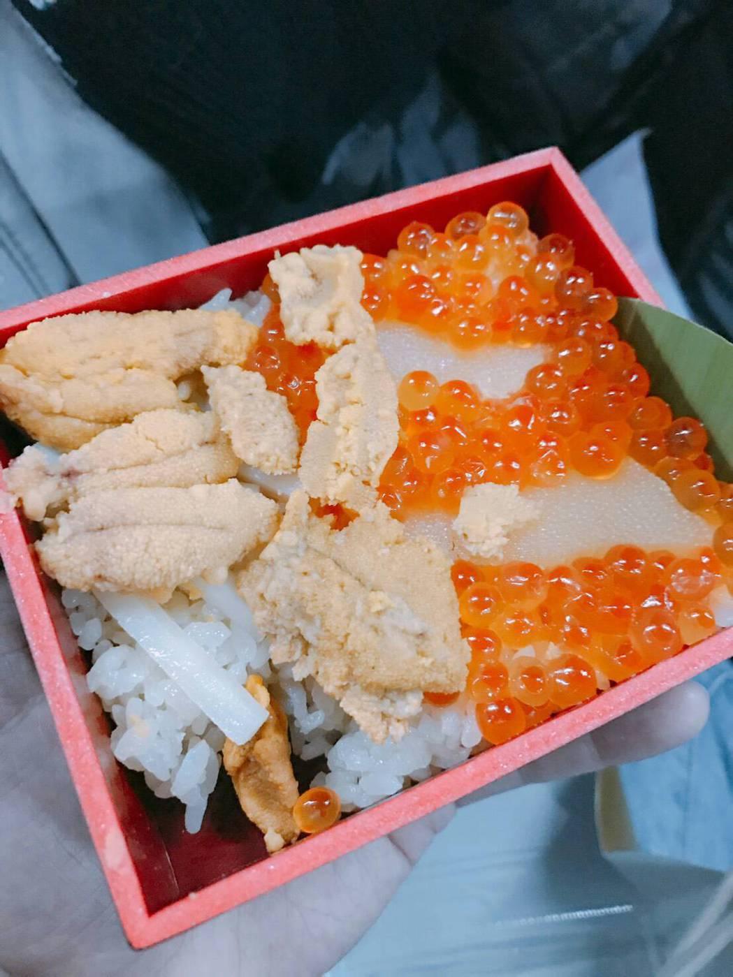 李博翔到日本出外景,劇組吃得好,天天是高檔便當。圖/李博翔提供