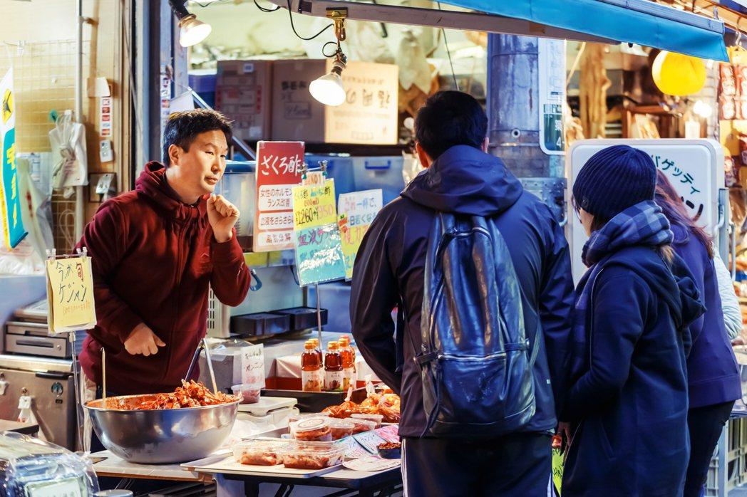 在日韓國人作為日本社會隱性的「他者」,長期未受重視,他們大多扮演如同在料理店為客...