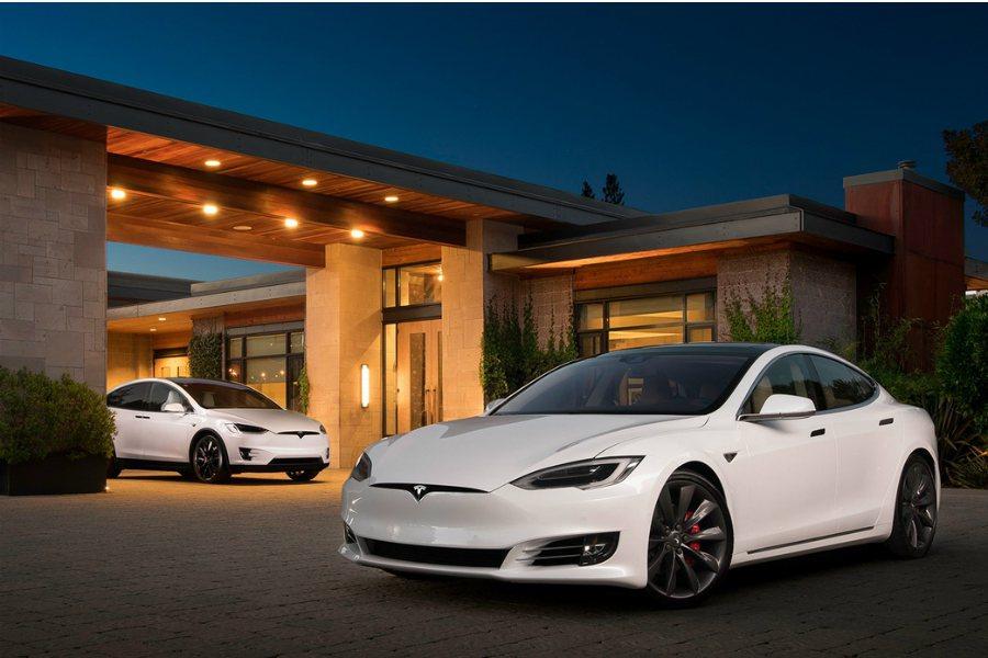 Tesla 執行長 Elon Musk 先前曾表示未來並不會追求更大容量的電池模組。因此,未來 Tesla 是否還能稱霸加速王者的殊榮,一切都還很難說。 摘自 Tesla