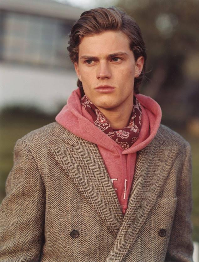 「格雷五十道陰影」的傑米道南也曾是A&F的廣告模特兒之一。圖/摘自eonline...