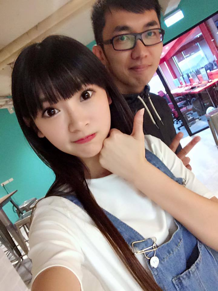 曾被譽為「兒童台最正姐姐」的「優格姐姐」林姵君(前),今年年初閃嫁知名電競選手「...