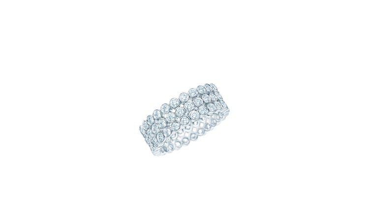 艾瑪史東配戴的Tiffany珠寶相似款,Jazz 鉑金鑲鑽戒指37萬1,000元...