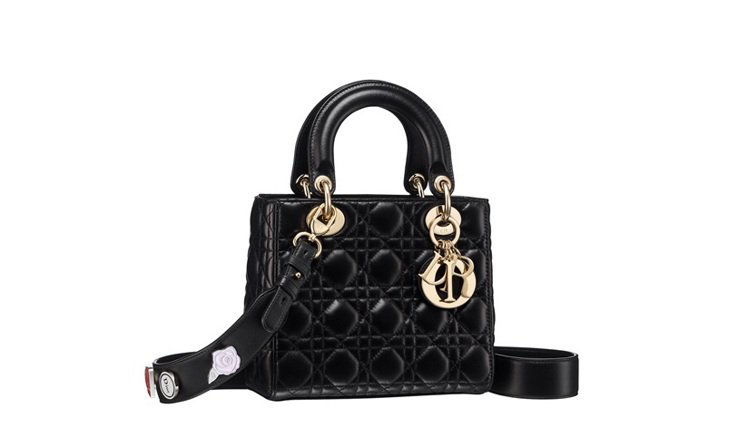 My Lady Dior經典黑色藤格紋與幸運徽章背帶提包,售價125,000元。...