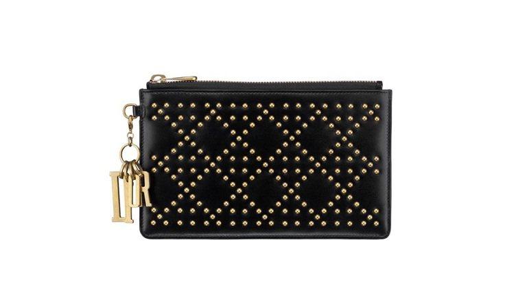 Lady Dior經典黑色小牛皮鉚釘綴飾籐格紋零錢袋,售價29,000元。圖/D...